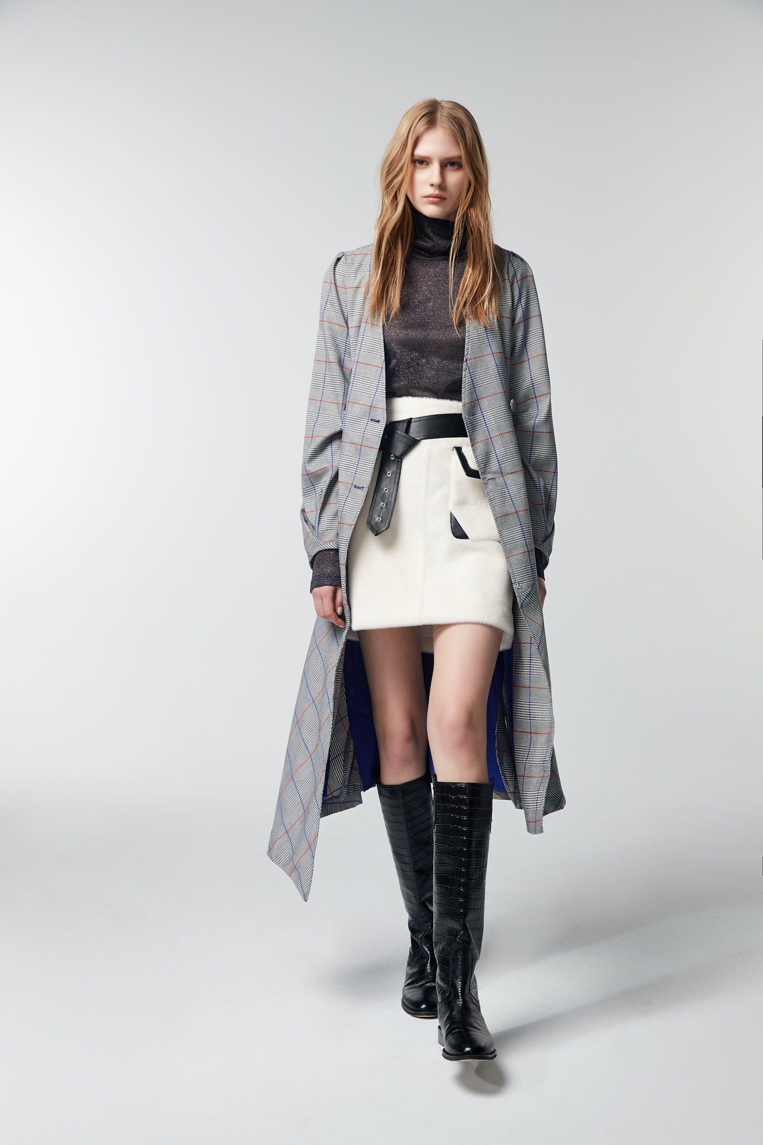 White stitched leather skirt,White skirts,Leather,Mini skirts,Season (AW) Look