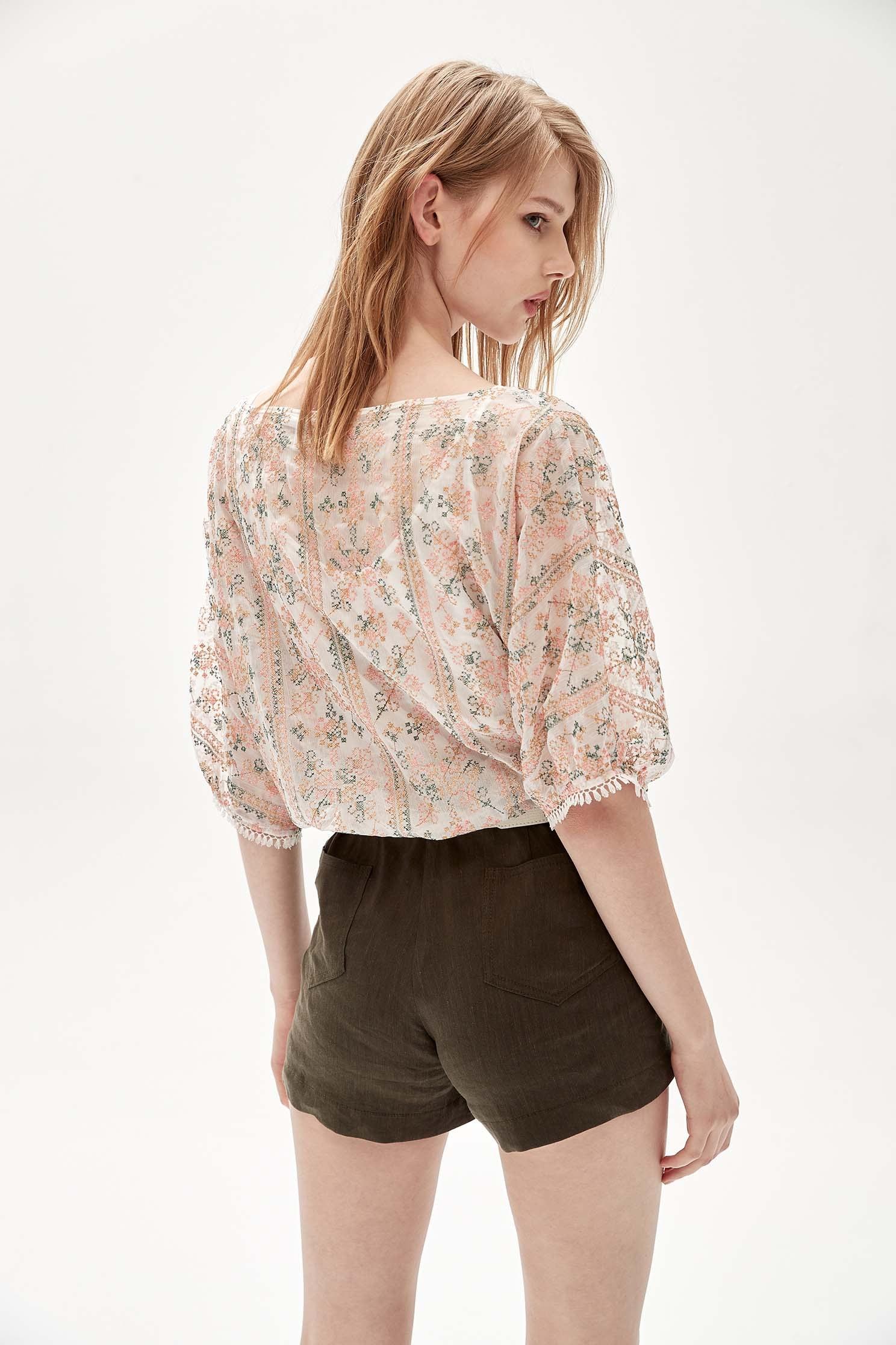 Darted waist cotton and linen shorts,Shorts,Season (AW) Look,Belts
