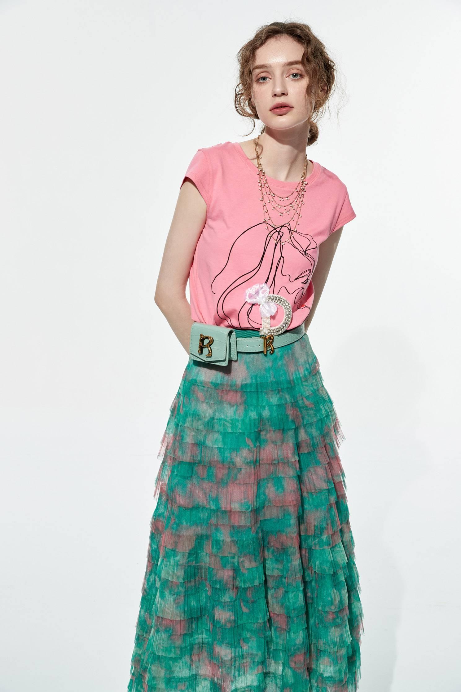 Girl with earrings print T-shirt,T-shirts,T-shirts,Season (AW) Look,Pink