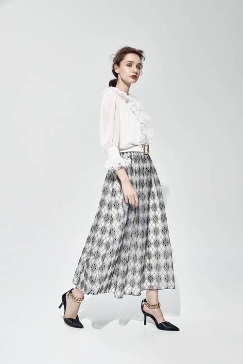 Embroidey organza long skirt