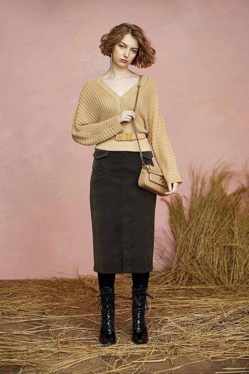 Thin velvet pencil skirt