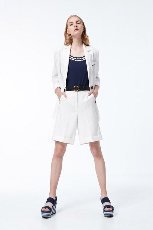 Reverse fold shorts
