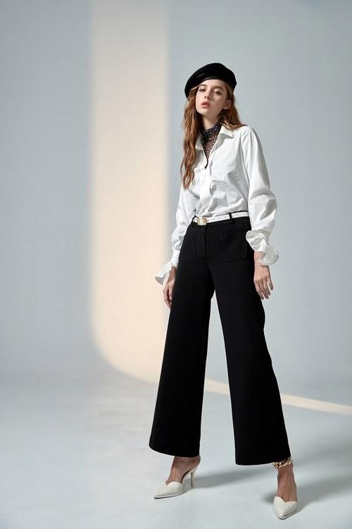 Stylish wide-leg trousers