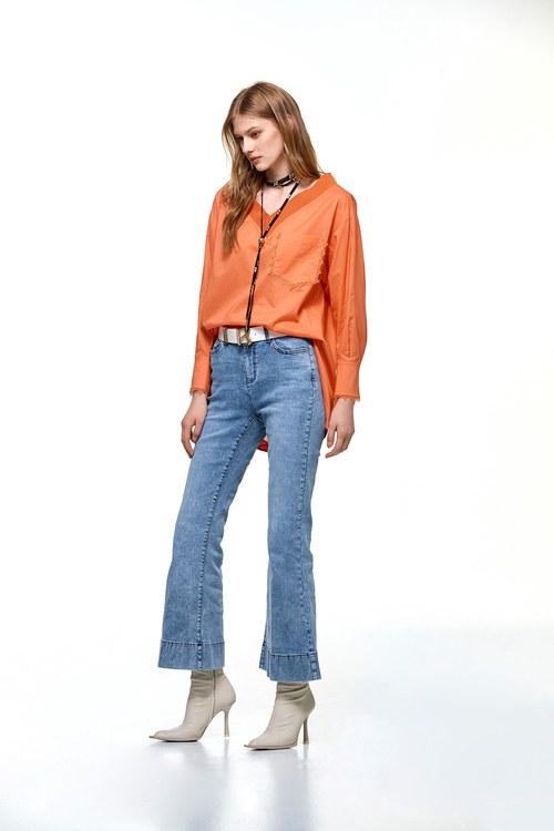 Lace pocket top