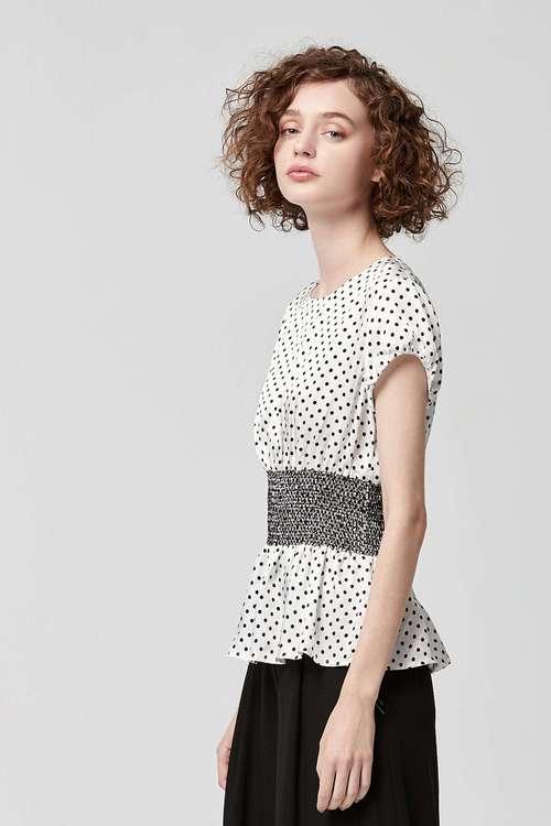 Dot waist short-sleeved top
