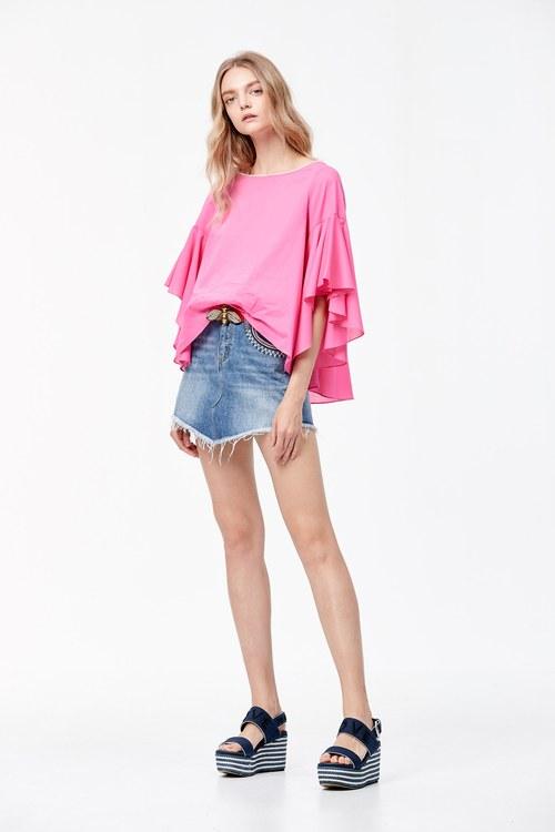 Matching stitched denim skirt